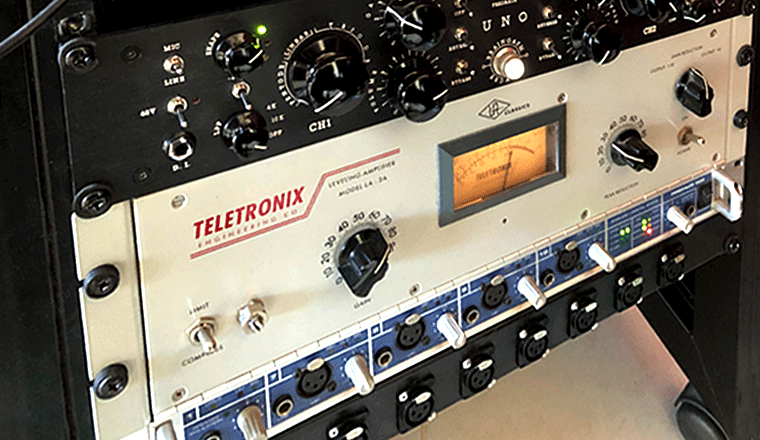 i compressore nel rack outboard di Audiogrill